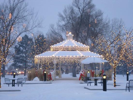 Parker's Gazebo in O'Brien Park at Christmas