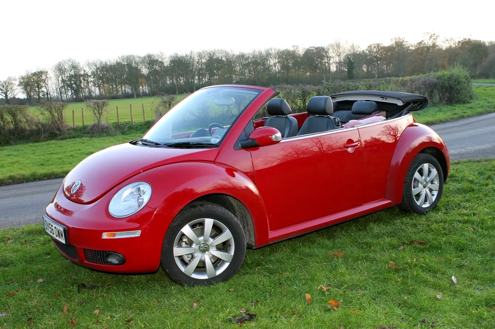 medium resolution of volkswagen beetle cabriolet 2003 2010 features equipment and accessories parkers