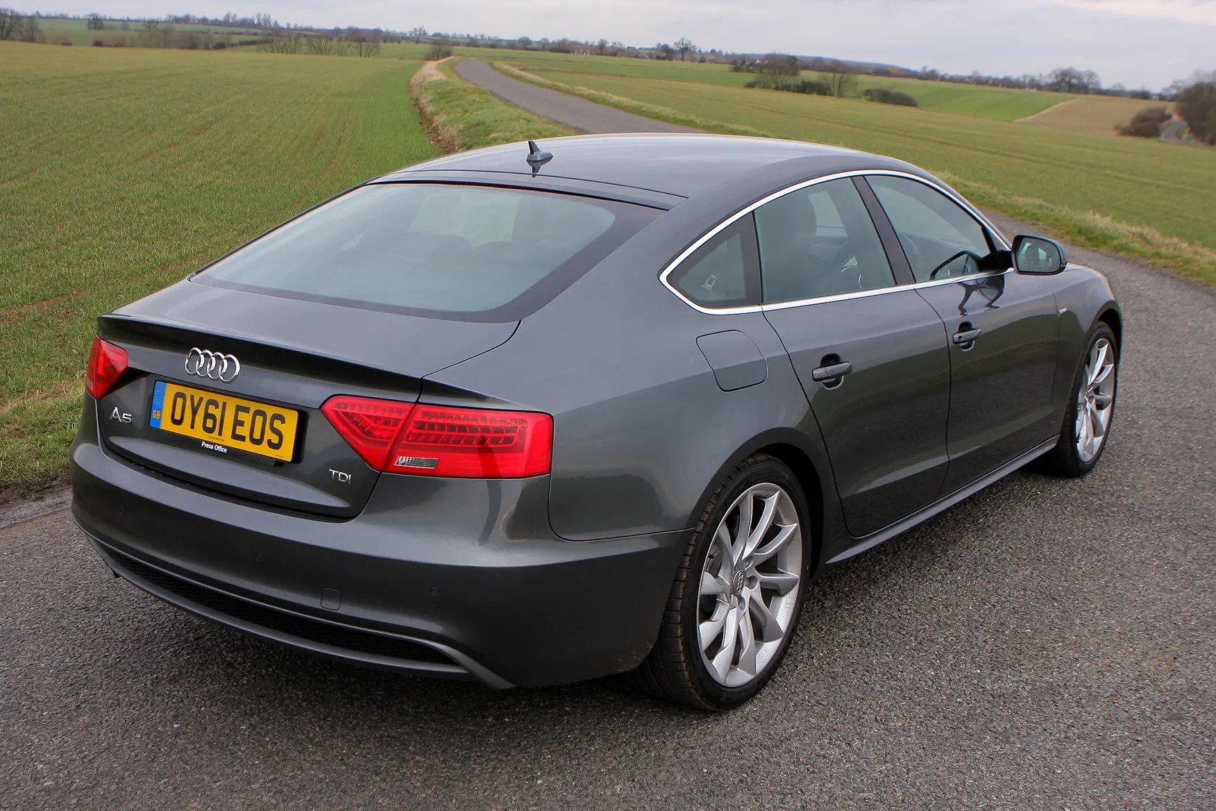 hight resolution of 2010 audi a5 black