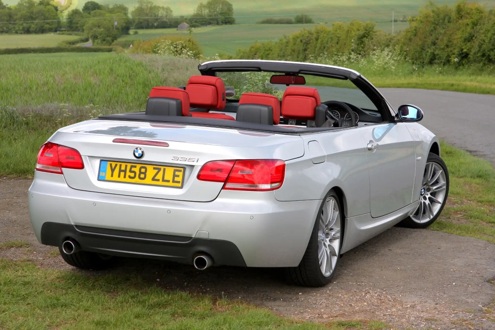 medium resolution of bmw 3 series convertible 2007 2013 features equipment and accessories parkers