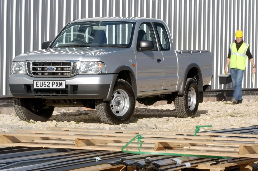 medium resolution of  ford ranger 1999 2006 front view