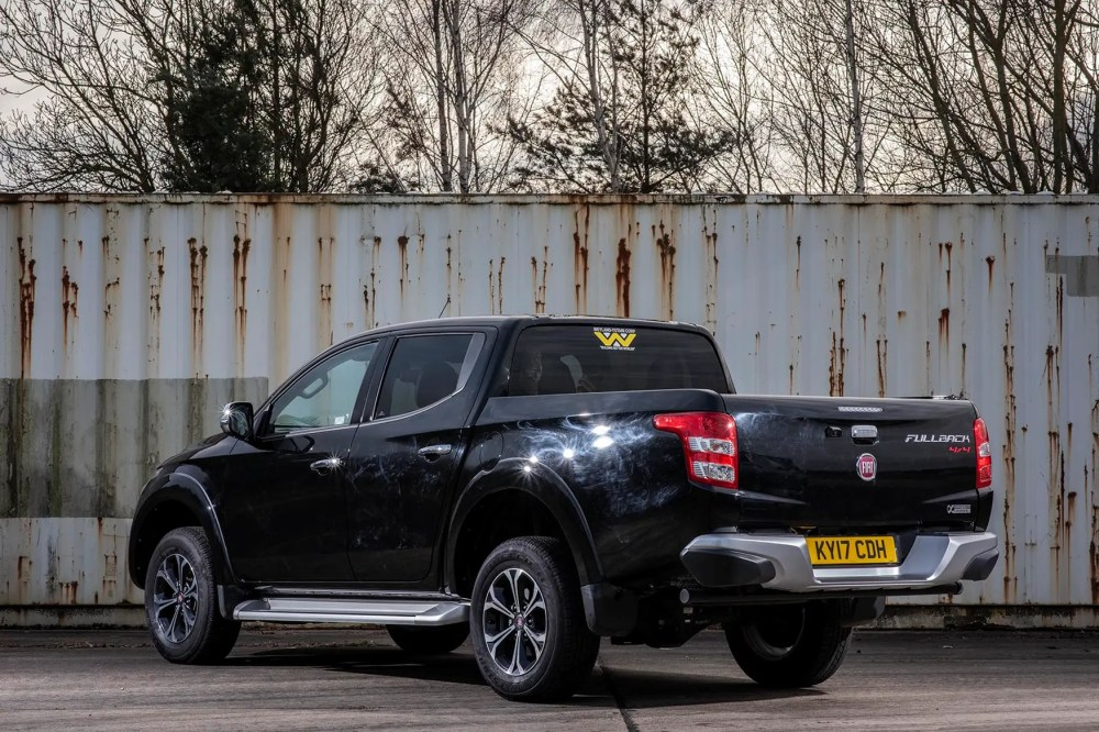 medium resolution of  fiat fullback 180 lx rear