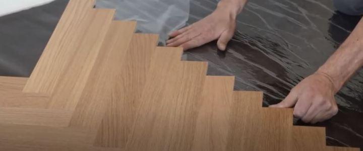 Verlegung mit selbstklebender Verlegematte Looseglue auch direkt auf alte Fußböden