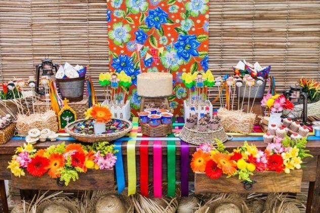 hotel-fazenda-com-festa-junina-mesa