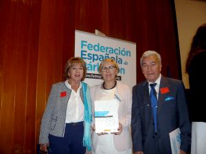 José Arcas, Presidente Asociación Parkinson Elche y su esposa Magdalena con la Presidenta de la Federación Española de Párkinson, Mª Jesús Delgado