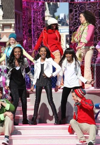 McClain Sisters Celebrate the Holidays at Disneyland Park