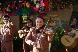 See 'Feliz Navidad' During Holidays Around the World at Epcot