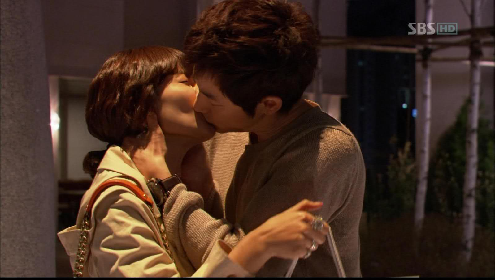 His much talked about kisses   Park Sihoo 박시후ParkSihooSsi.com
