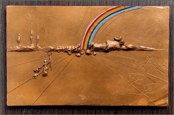 Salvador Dalí: Der Regenbogen, 1972. Bemaltes Gips-Relief. M. T. Abraham Foundation.