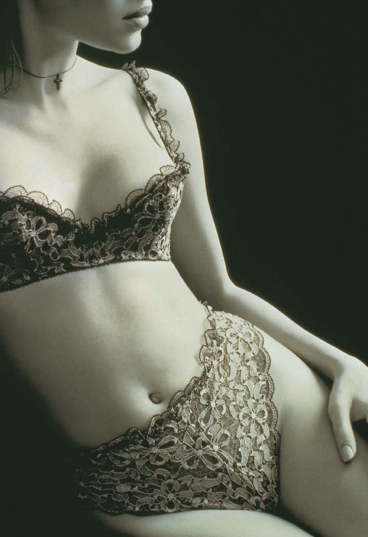 Chantal Thomass, Autumn / Winter collection 2001-2002., The story of Lingerie, Muriel Barbier and Shazia Boucher