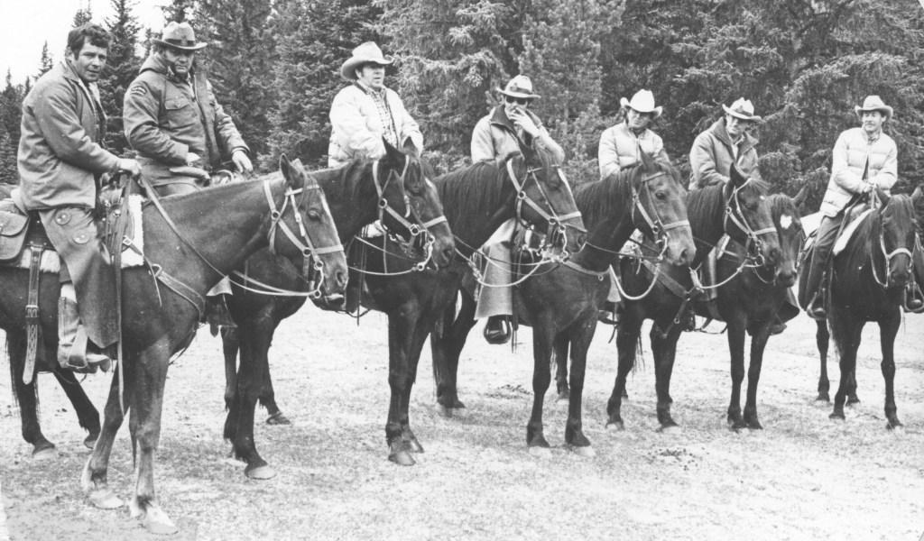 trailing horses from Yaha-Tinda