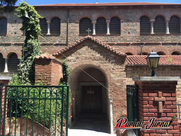 Akheiropoietos Meryemi Kilisesi