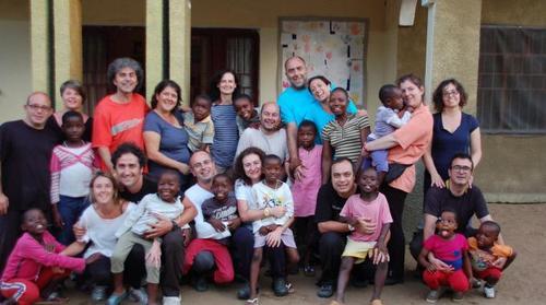 Gramellini canterà inno 5 Stelle…il M5S è stato il primo a denunciare il caso delle famiglie italiane bloccate in Congo