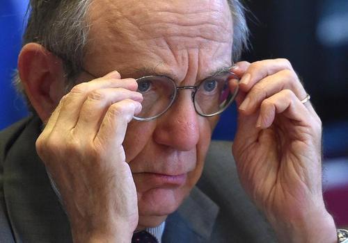 Agenzia Entrate, nomine e cartelle illegali: il Ministro Padoan risponde solo fuffa