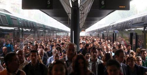 Trenitalia si accanisce sui pendolari, persino quelli Alta Velocità