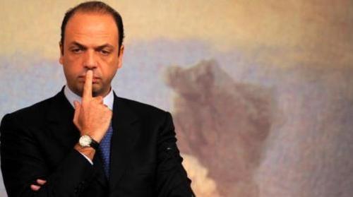 """Referendum, """"Pd non sia ridicolo e interroghi Alfano"""""""