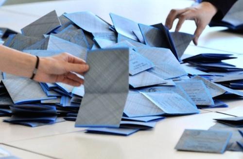 Referendum, Governo rompa silenzio su rischio brogli da voto estero