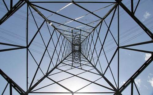 La strategia energetica nazionale: esternalizzata ai privati. Stranieri