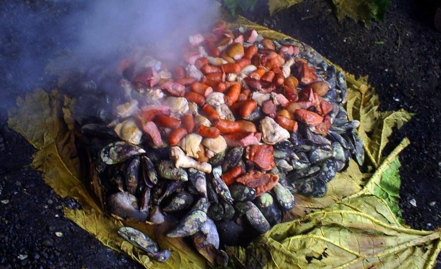 El curanto, un plato típico del sur de Chile