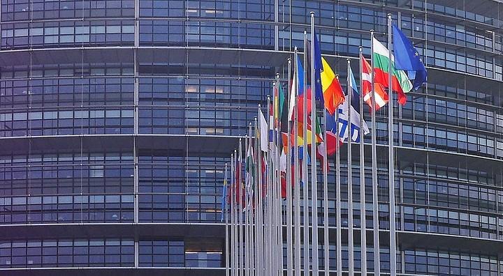 MIGRANTI. BRUXELLES AMMONISCE: 'SITUAZIONE INSOSTENIBILE'