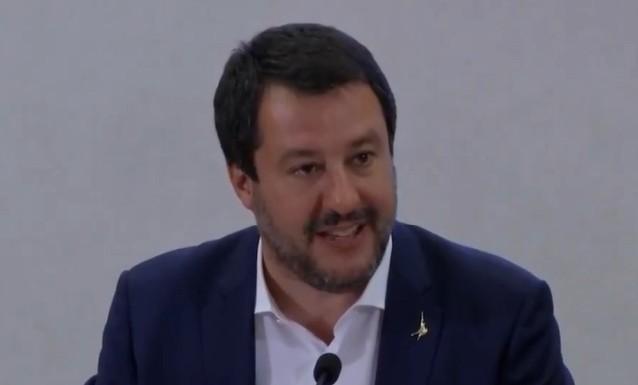 NEL GOVERNO E' SCONTRO ANCHE SUI MIGRANTI