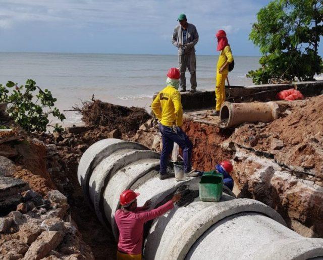 Cartaxo acompanha obras de drenagem da Barreira do Cabo Branco e anuncia nova etapa