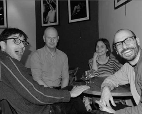 Chris Vatalaro (batteur), Phil Selway (guitare voix), Katherine Mann (synthé, violon, scie musicale) et Adem Ilhan (guitare, basse) à La Maroquinerie le 6 février 2015 (photo : Gaëlle Riou-Kerangal)