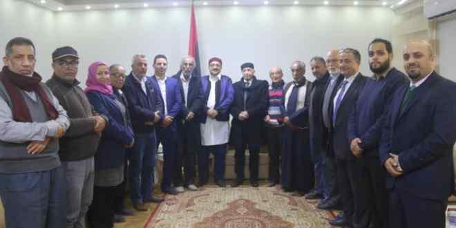 فخامة رئيس مجلس النواب يلتقي عدد من نشطاء الساحات والميادين والمثقفين ببنغازي