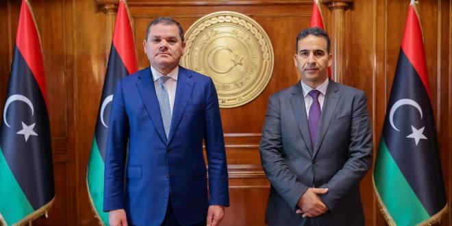 النائب الأول يلتقي رئيس الحكومة بمقر مجلس الوزراء