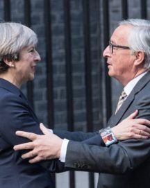 LONDON, ENGLAND - APRIL 26:  Britain's Prime Minister, Theresa May, greets European Commission president, Jean-Claude Juncker, as he arrives at 10 Downing Street on April 26, 2017 in London, England. (Photo by Carl Court/Getty Images)