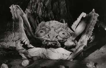 attack of the crab monsters - pic 4