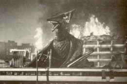 Gamera vs Gyaos - pic 19