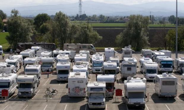 Foto Ecco il maxi raduno dei camperisti  1 di 16  Parma