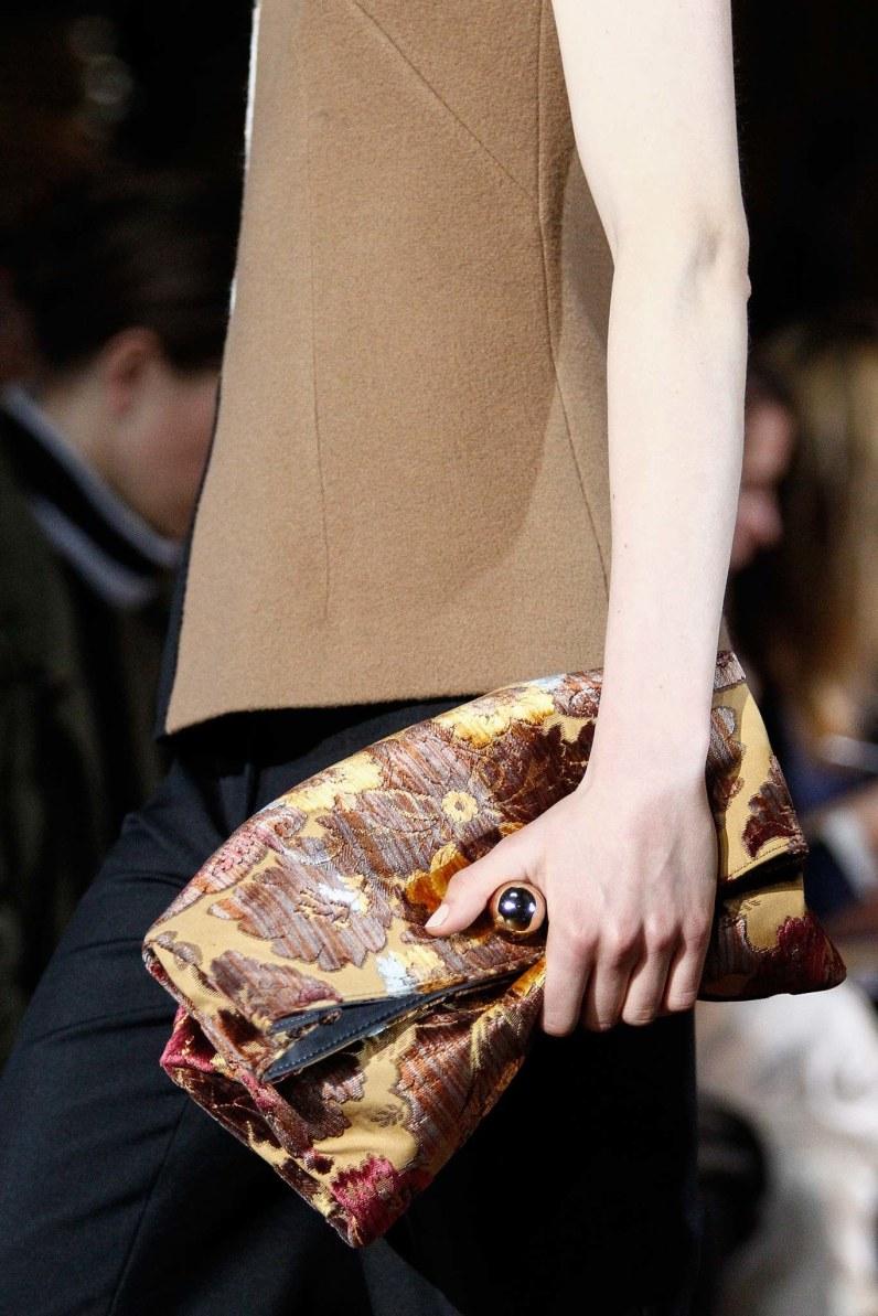 Tendance sacs à main de l'automne hiver 2015-16/ Le pochette de matière luxueuse/ broderie