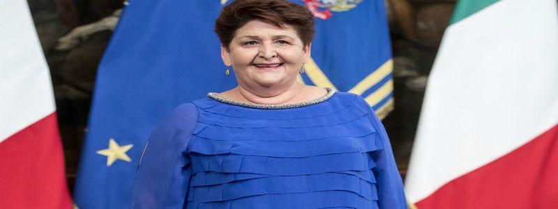 Teresa Bellanova: le sfide che dovrà affrontare non sono blu elettrico