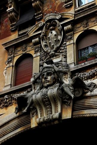 Arco, dettaglio volto della Minerva