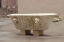 Vasca romana in marmo, Aula VIII Terme Diocleziano
