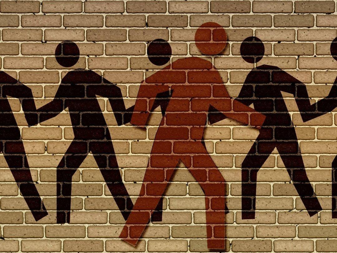 Individualità e collettività, social o non social?
