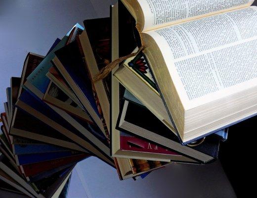 Perché è importante leggere? (Immagine via Pixabay)