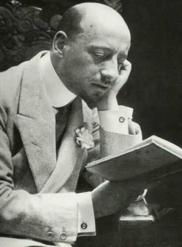 #LetteraAlloScrittore: Gabriele D'Annunzio (immagine via web)