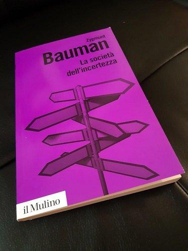 L'età dell'incertezza di Zygmunt Bauman: introduzione all'umanità e alle sue paure