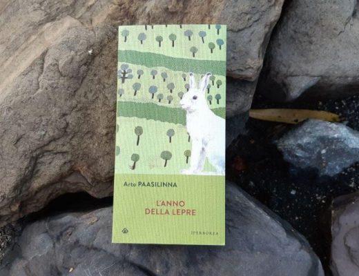 L'anno della lepre di Paasilinna: romanzo e umorismo finnico