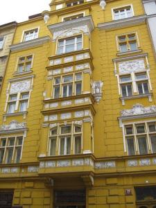 Colour in architecture in Prague