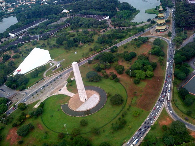 Obelisco Ibirapuera. Foto Petria Chaves.