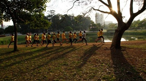 Volta da Grade. Percurso de terra batida no Parque Ibirapuera. Aprox. 6km. Foto: Marcelo Stapafora