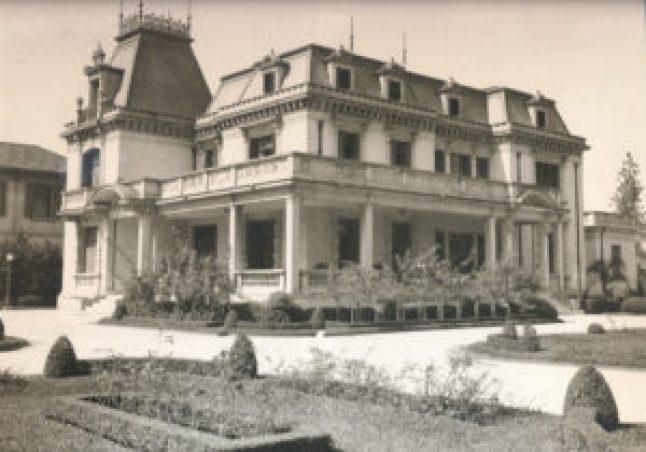Casa das Rosas, um dos poucos casarões preservados na vergonhosa destruição de 1982. Construída no começo da década de 1930, é um projeto de Ramos de Azevedo. (Fotografia dos anos 1970. Autor descnhecido.)