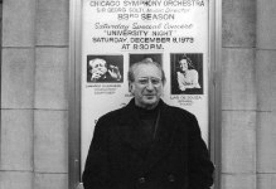 Mozart Camargo Guarnieri em uma fotografia de 1973 (Arquivo do Instituto de Estudos Brasileiros, USP, Coleção Camargo Guarnieri)