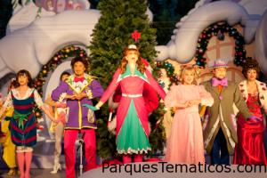 Coros de Navidad en GrinchMas en Universal's Islands of Adventure