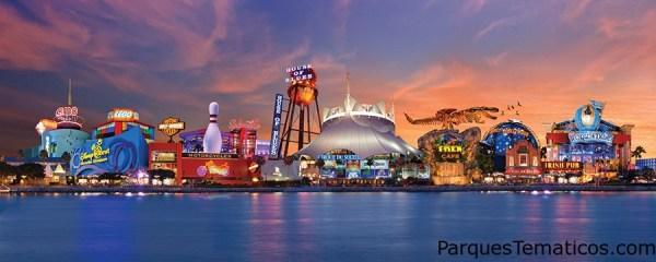 Restaurantes, entretenimiento y tiendas únicas de clase mundial, bordean la orilla del lago en Downtown Disney.