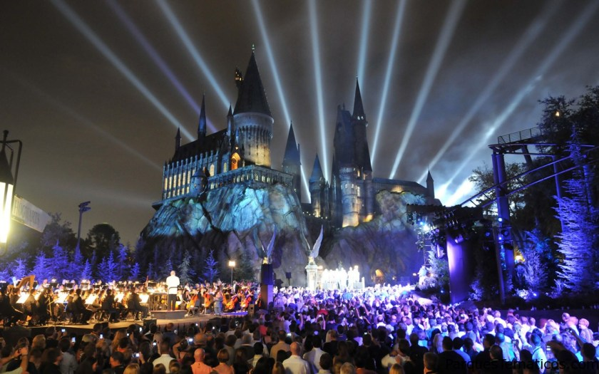 The Wizarding World of Harry Potter – Hogsmeade Celebrates Five Years